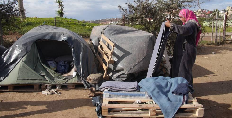 Campamento frente el CETI de Melilla.