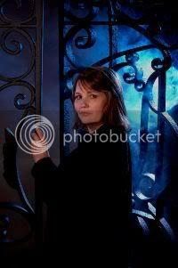 http://i26.photobucket.com/albums/c138/VLiaguno/CemeteryGates.jpg