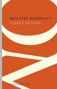 Bokomslag Molnfri bombnatt (häftad)