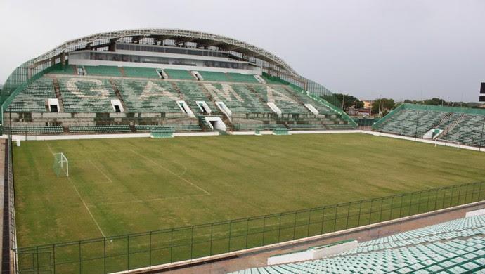 Estádio bezerrão (Foto: Fabrício Marques / Globoesporte.com)