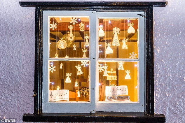 Ideas For Live Advent Windows