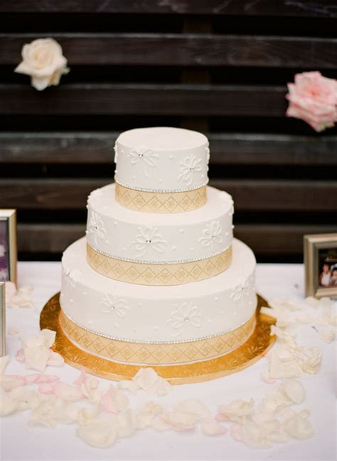Wedding Cake With Geometric Border Design   Elizabeth Anne
