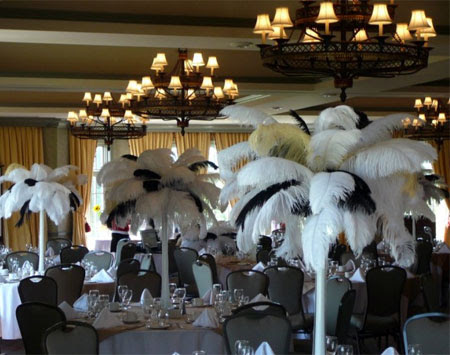Brideca Décor Idea Ostrich Feather Centerpieces