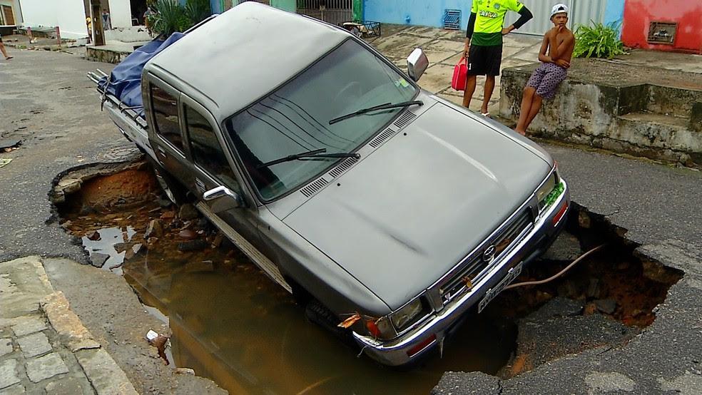 Acidente aconteceu na madrugada deste sábado (22) no bairro das Quintas (Foto: Reprodução/Inter TV Cabugi)