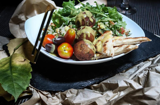 Falafel Bowl - An Exceptional Summer Snack!