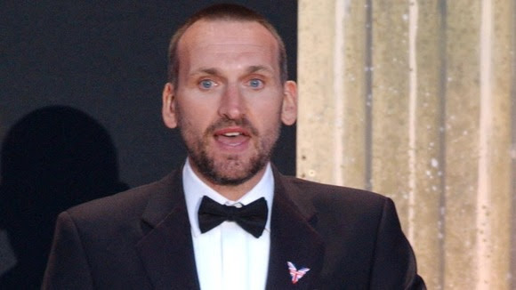 Christopher Eccleston has received a public apology,