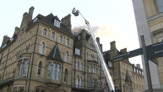 Oxford's Randolph Hotel blaze 'sparked by flambéed beef' - BBC News