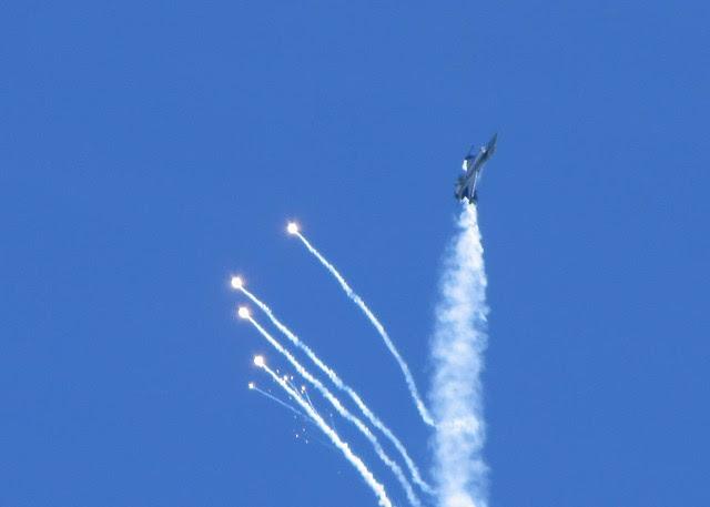 F16 - Airbourne 2013