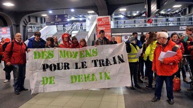 Huelga de trabajadores del ferrocarril en Bélgica contra explotación y despidos