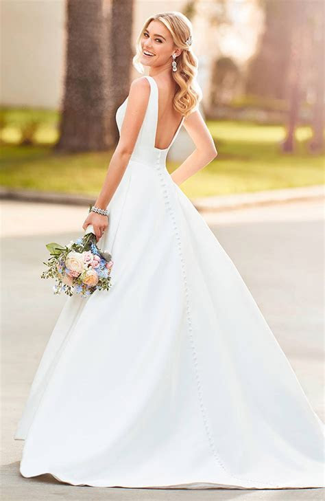 Stella York 6758 Ballgown Wedding Dress   Price £1199