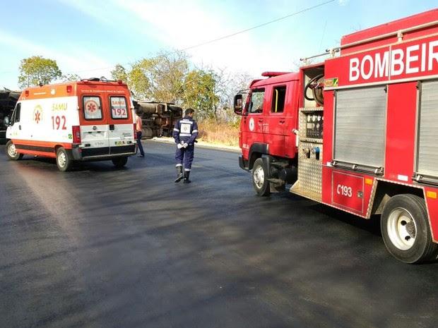 Acidente ocorreu por volta das 7h20, no oeste da Bahia (Foto: Blog do Sigi Vilares)