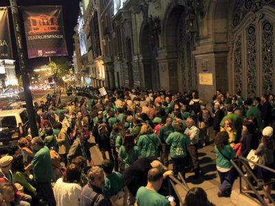 La 'marea verde' silenciosa de Madrd transcurrió entre el Ministerio de Educación (en la imagen) y el Tribunal Constitucional. EFE