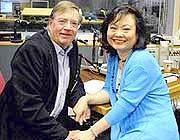 Christopher Wain e Kim Phuc oggi sul sito della Bbc