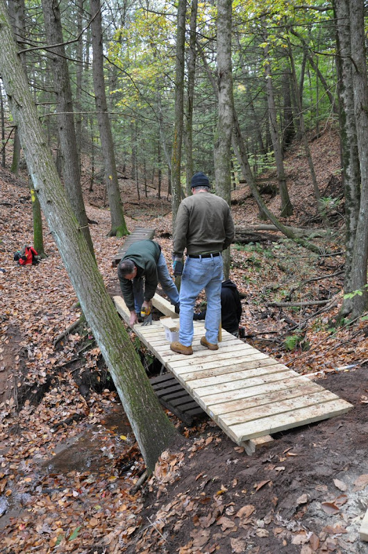 "Central CT NEMBA on Twitter: ""Bridge rebuild on the yellow trail @ River Highlands SP Cromwell CT @ConnDEEP More photos:  """