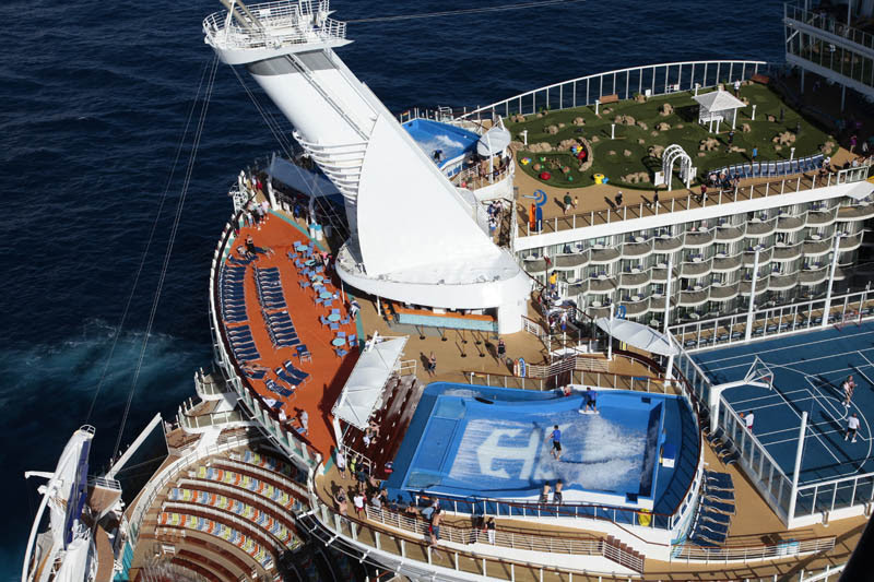 AD-Worlds-Biggest-Cruise-Ship-Allure-Of-The-Seas-Royal-Carribean-05