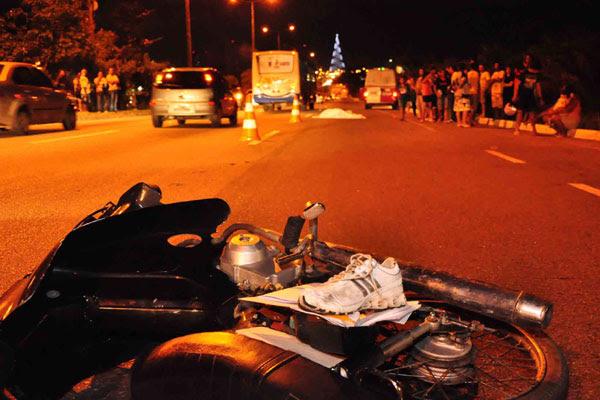 De todas as mortes ocorridas nas estradas do Brasil, em 2009, 45,6 por cento correspondem a pessoas entre 20 e 39 anos