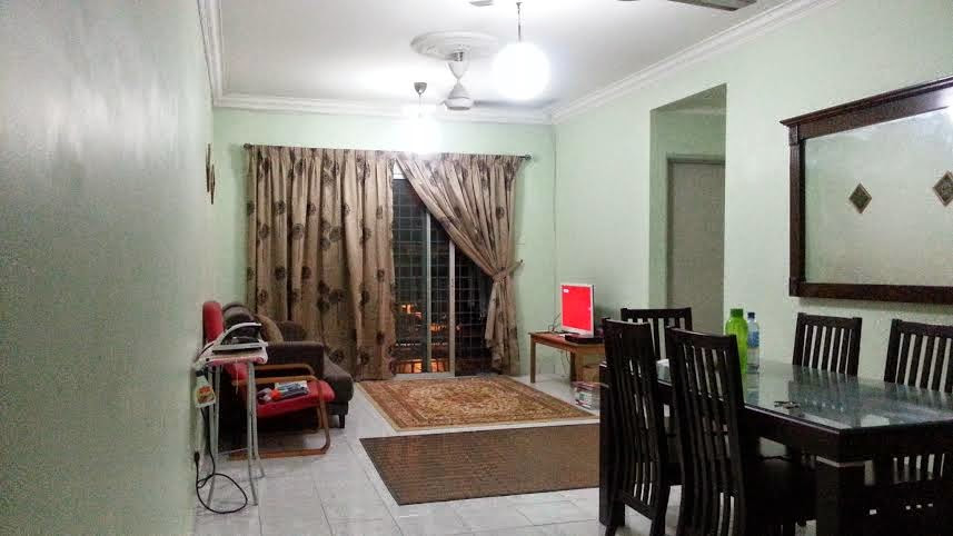 Menghias Ruang Tamu Rumah Flat Hiasan Dalam