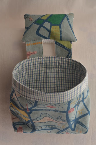 Linen Thread catcher by Poppyprint