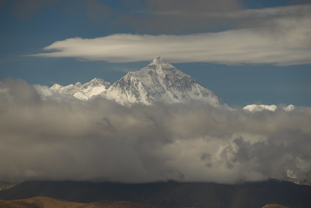 Everest and Lhotse, from Pang La