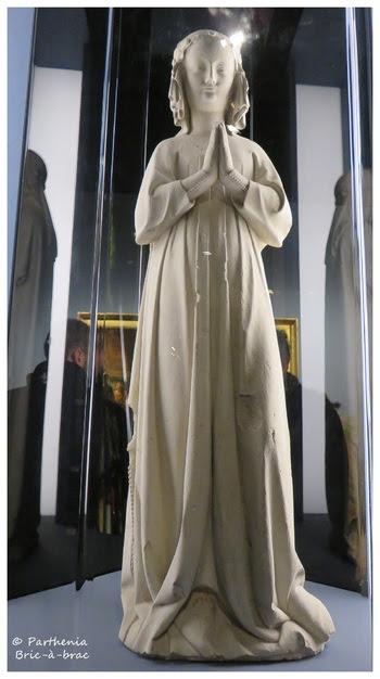 statue d'Isabelle de France