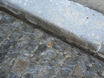 trottoirs de Montmartre.jpg