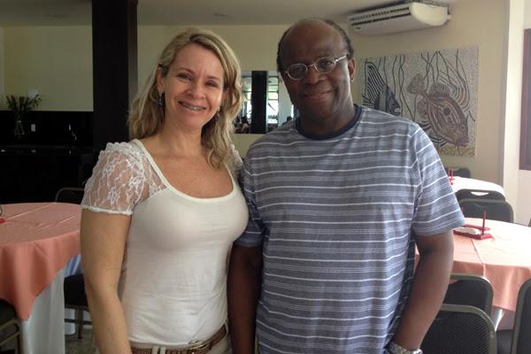 Durante o café da manhã, Joaquim Barbosa tirou foto com a diretora do hotel, Fernanda Paiva