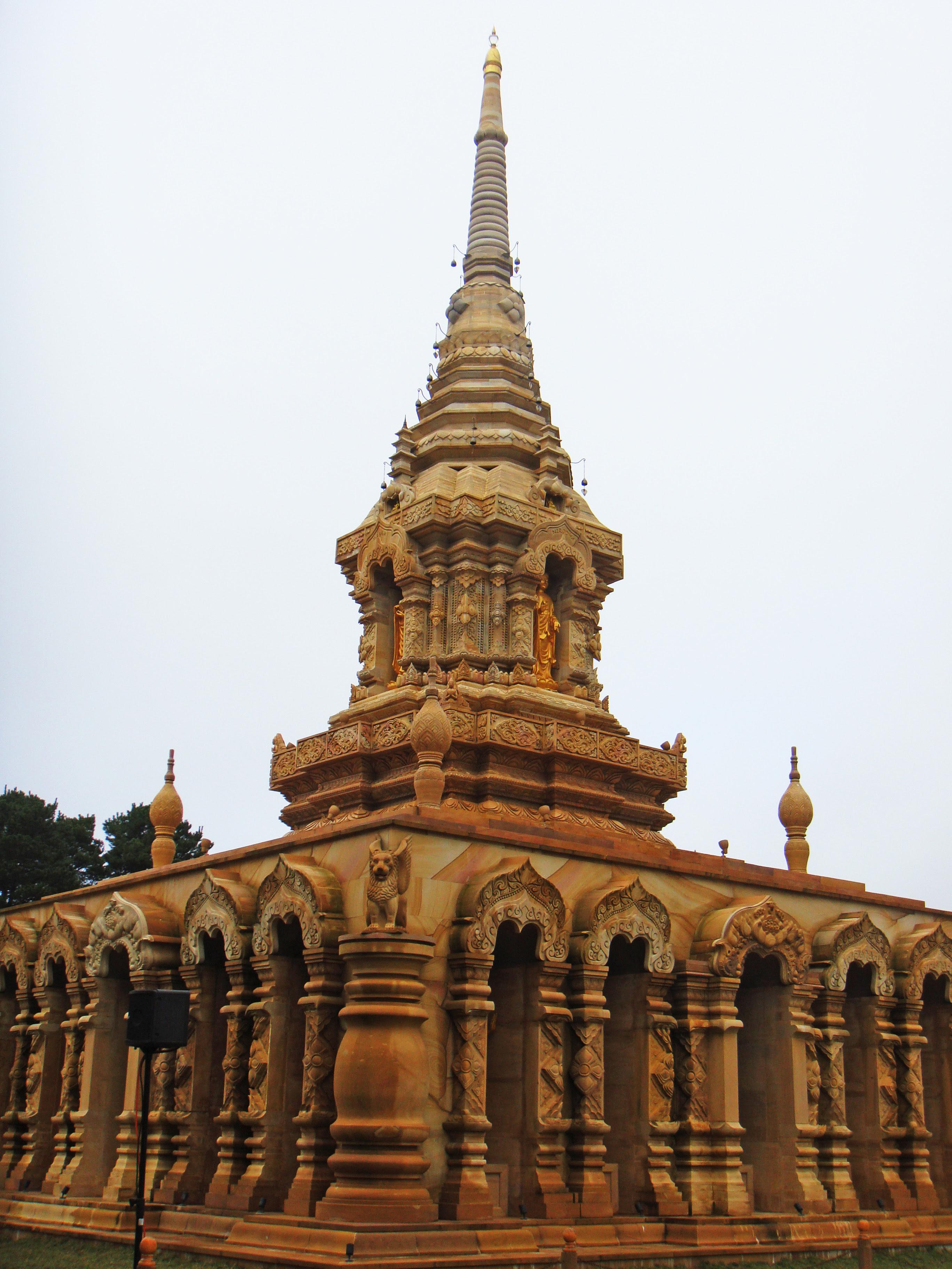 http://upload.wikimedia.org/wikipedia/commons/6/66/Sunnataram_Forest_Monastery_6.jpg