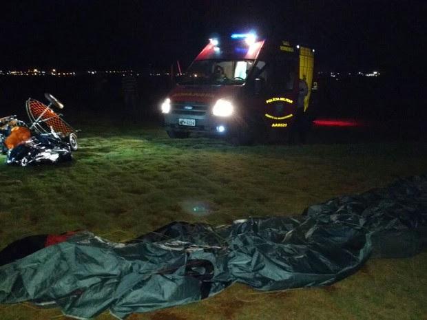 Bombeiros ainda não informaram detalhes do acidente com paramotor em Londrina (Foto: Leopoldo Karam/RPC)