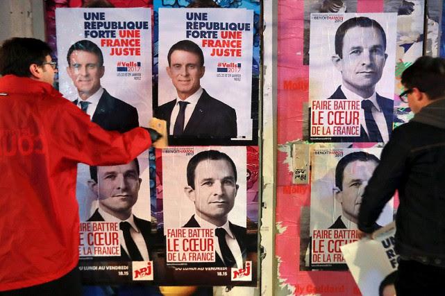 Des partisans de l'ancien premier ministre français Manuel... (PHOTO JACQUES DEMARTHON, ARCHIVES AFP)