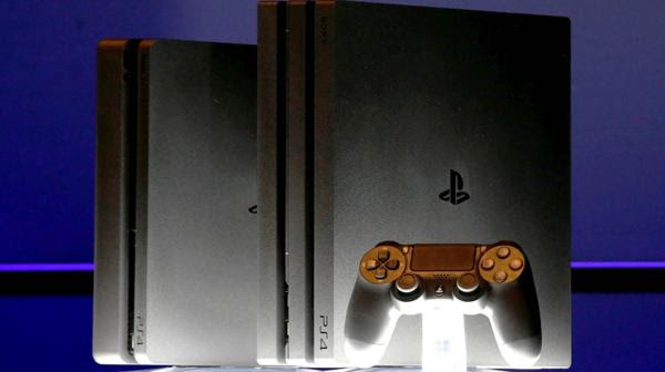 PlayStation 4 Slim y Pro (Reuters)