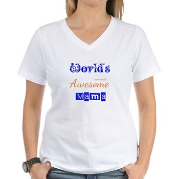 World's Awesome Mama Women's V-Neck T-Shir