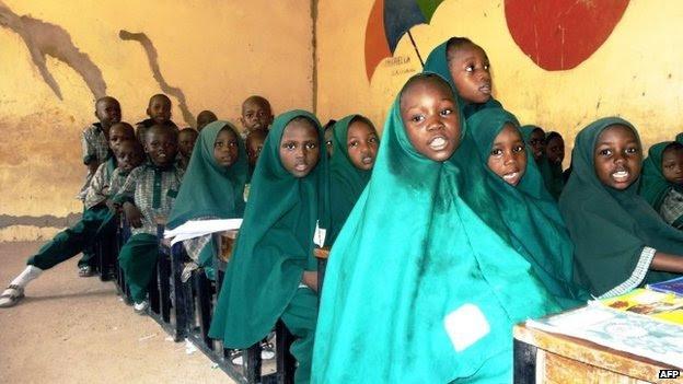 Crianças de uma escola em Maiduguri, Nigéria - maio 2014