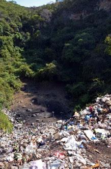 El sitio donde supuestamente quemaron a los normalistas en Cocula, Guerrero. Foto: AP / Alejandrino González