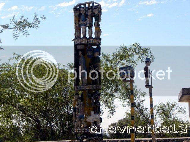 http://i1252.photobucket.com/albums/hh578/chevrette13/Madagascar/DSCN0354640x480_zpsf58f37bd.jpg