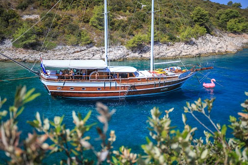 Gulet ALLURE / 7 Cabins / 14 pax / Croatia She is available for the week 28.07-04.08 on the route Split...