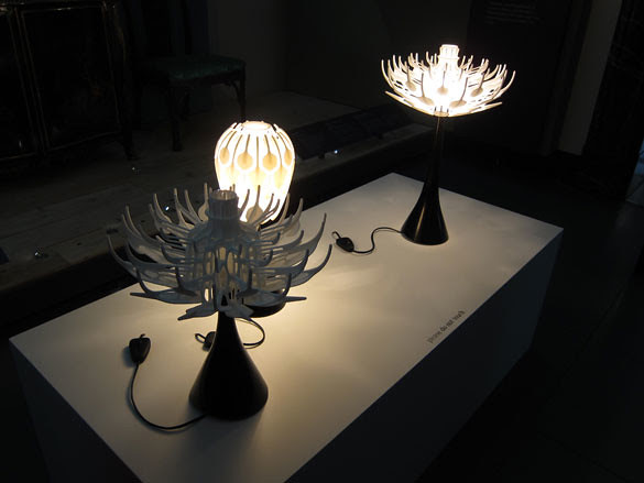 018 'Bloom' lights, designed by Patrick Jouin and 3D printed in nylon by Materialise. They are part of a series of works dispersed throughout the V&A as part of the 'Industrial Revolution 2.0.
