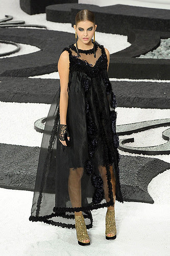 CNANEL-SPRING-2011-RTW-podium-080_show_fullscreen_view