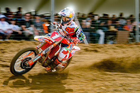 RYAN DUNGEY OUT WITH A BROKEN BACK