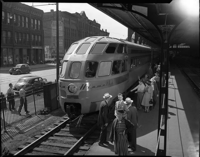 http://stuffaboutminneapolis.tumblr.com/post/151703826309/hiawatha-lounge-observation-car-1948-via