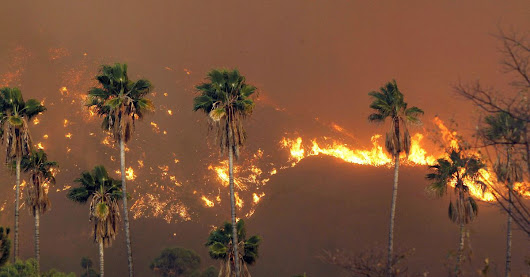 13 Apocalyptic Photos of the Southern California Wildfire