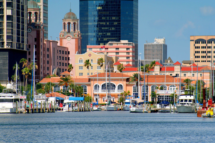 St. Petersburg, FL : St Petersburg Yahct Club Downtown Waterfront