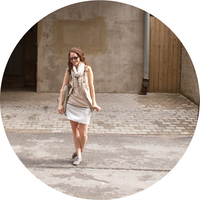 light neutrals, outfit ideas, sugarlips dress, flat line color block dress, gray dress, ootd, outfit ideas, trench vest, oxfords with a  dress