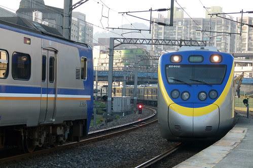 EMU801+802首班車