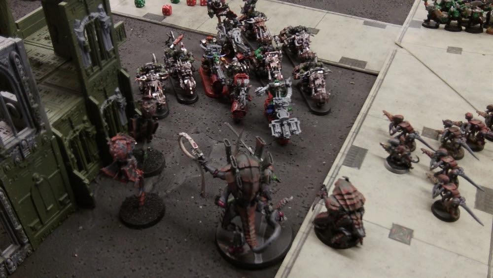 Splinter Fleet Mordiggian's Hive Tyrant vs Nob Bikers