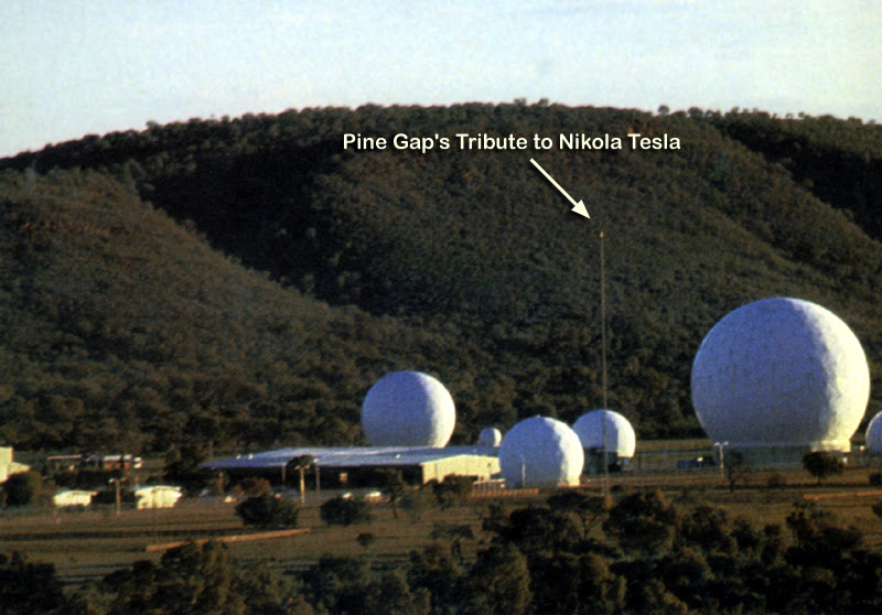 http://www.standeyo.com/stans.files/Cosmic_Conspiracy_items/Pine_Gap/PineGapImg1979%20_2.jpg