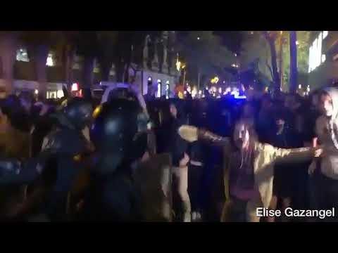 Imágenes de las cargas policiales contra los manifestantes en Barcelona (c/Mallorca).