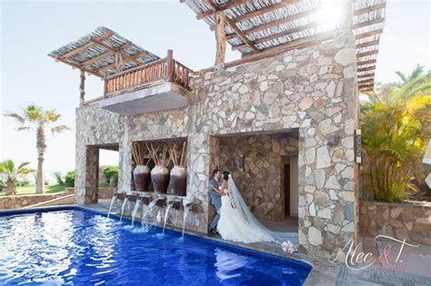Destination weddings in Mexico, Cabo San Lucas has several