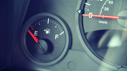 How far can your vehicle travel once the gas light turns on? - CarLoans411.ca