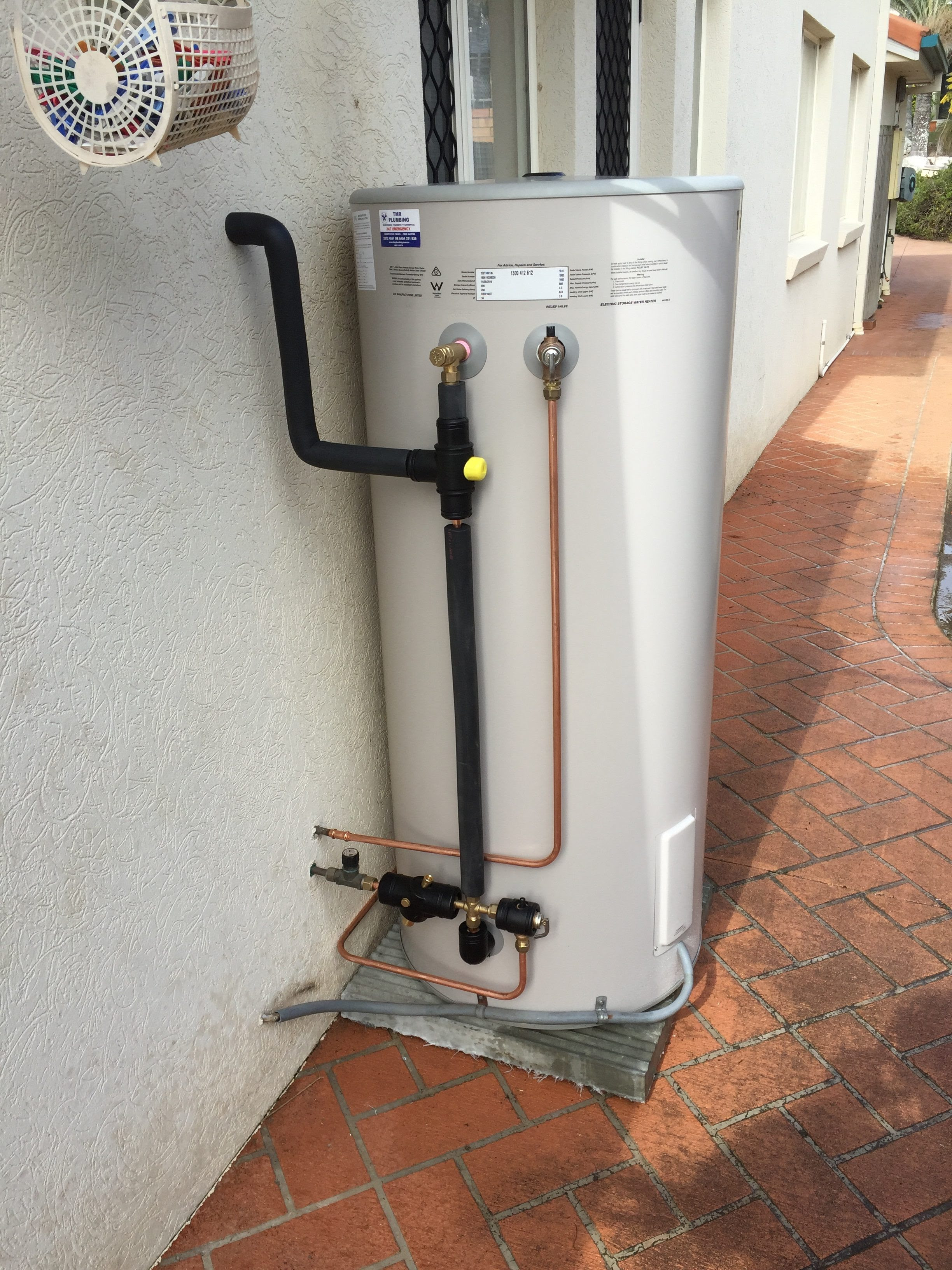 Hampshire Plumber: Basic components in a hot water system FAQ