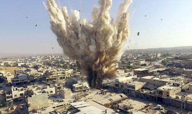 comentários do Sr. Gorbachev vêm como a França disse que irá pedir o promotor do Tribunal Penal Internacional para lançar uma investigação sobre crimes de guerra que diz ter sido cometidos por forças sírias e russas em Aleppo oriental, retratado